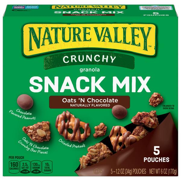 Nature Valley Crunchy Oats 'N Chocolate Snack Mix 5 - 1.2 oz Pouches